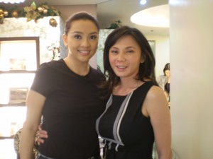 "Dr. Vicki Belo (right) with ""Salamat Dok"" host Cheryl Cosim"