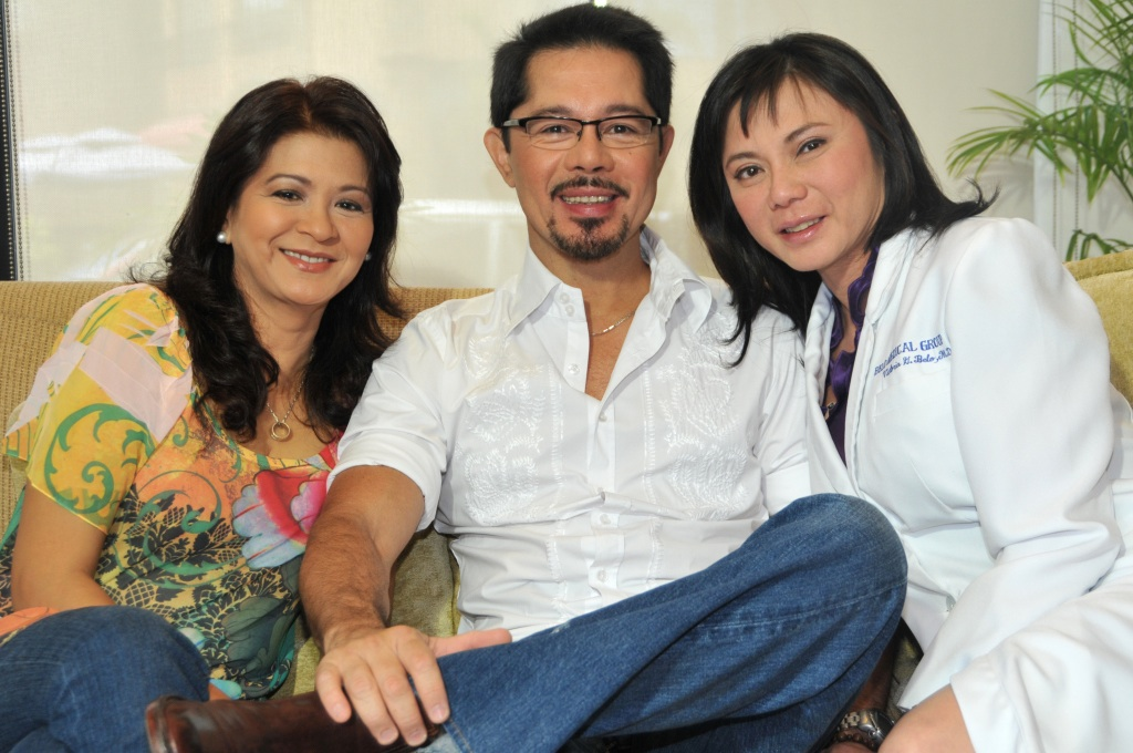 Dr. Vicki Belo with showbiz couple Christopher de Leon and Sandy Andolong