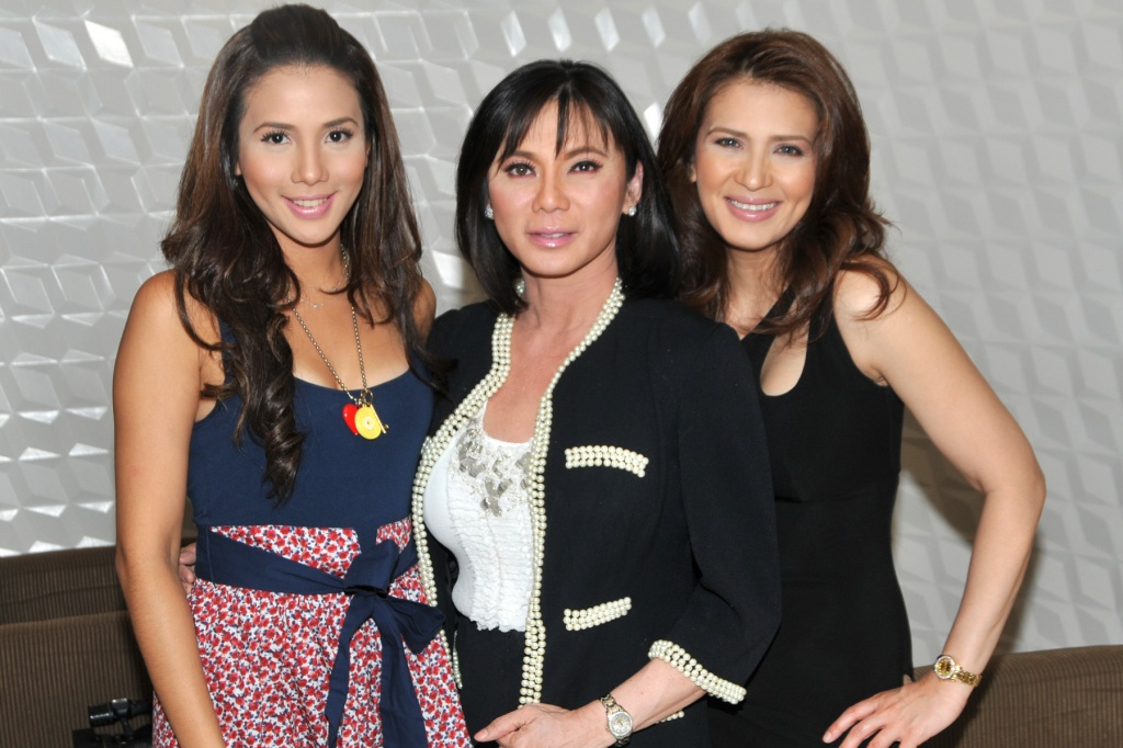 Dr. Vicki Belo with Zsa Zsa Padilla and Karylle
